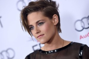 Kristen Stewart's Mother Denies Outing Her