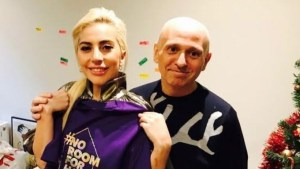 La Gaga visits UK LGBT homeless charity