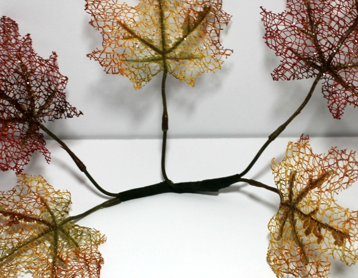 Easy Leaf Candle Display