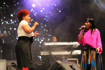 Mary Mary on Stage!