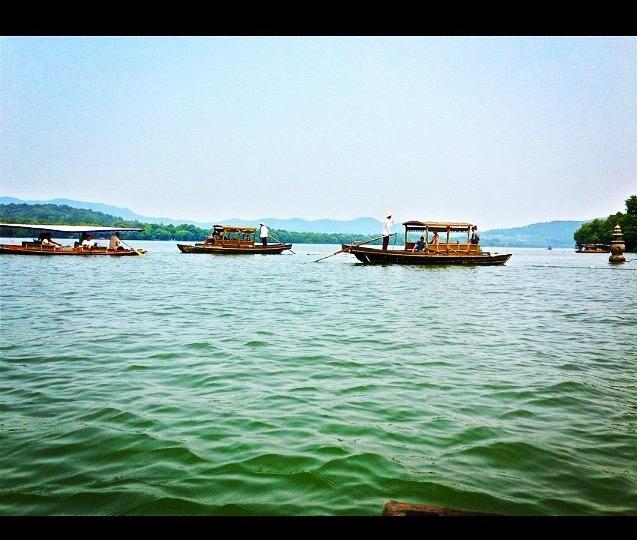 Gondole-cinesi-lago