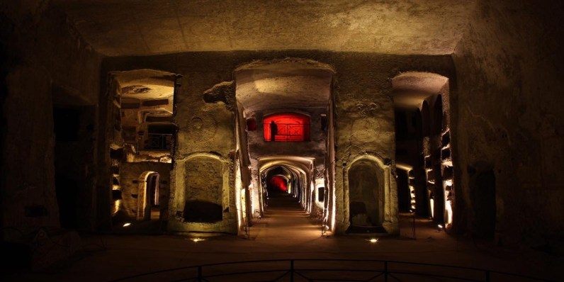 catacombe-di-napoli-insolita.JPG