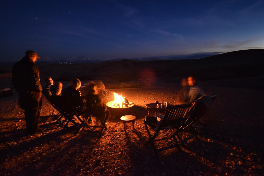 glamping in marocco scarabeo camp falò