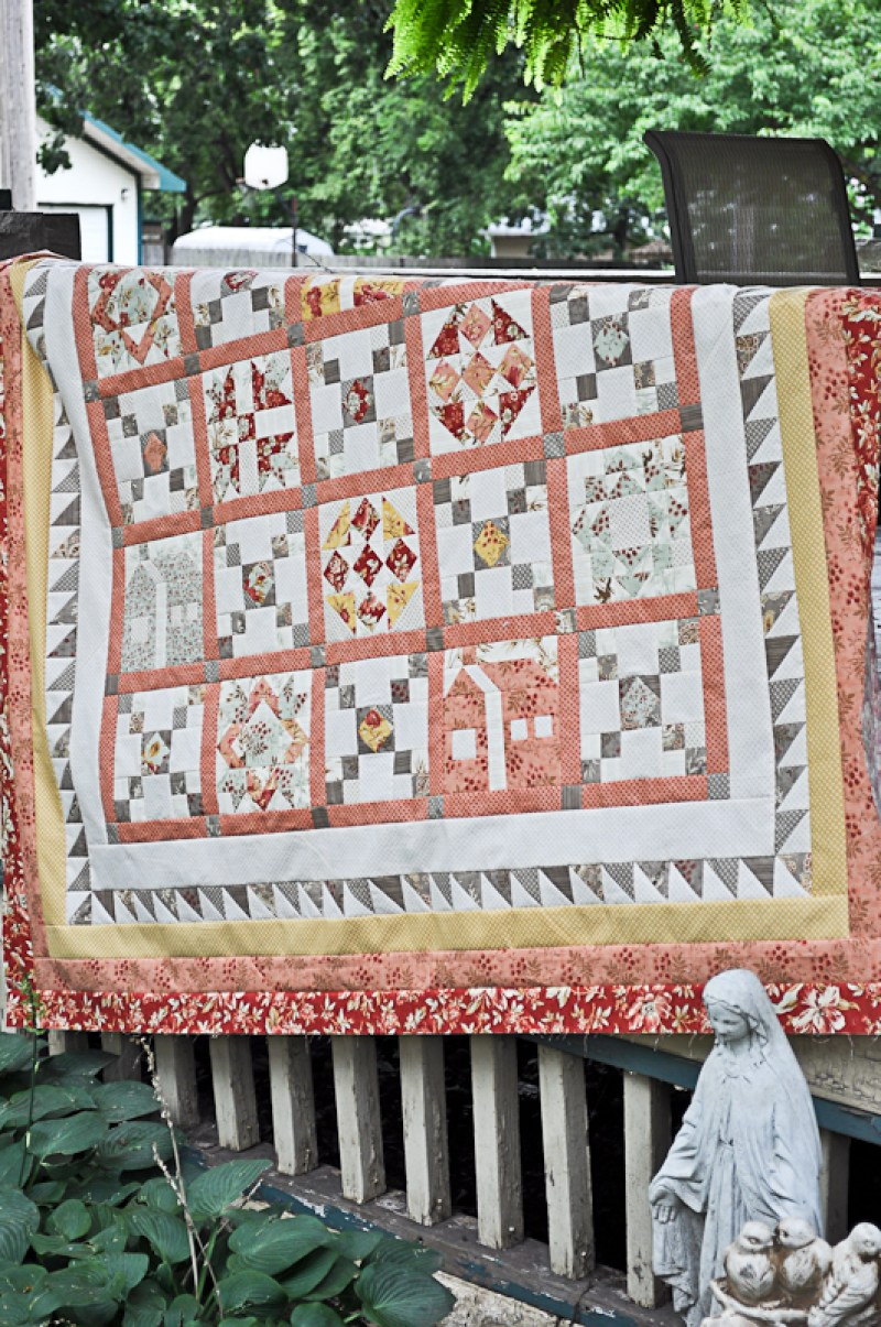 Crossroads Quilt Along Mini Finishing Instructions │Out of the Blue Quilts by Sondra Davison