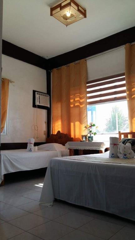 Shanedels Inn and Cafe in Basco