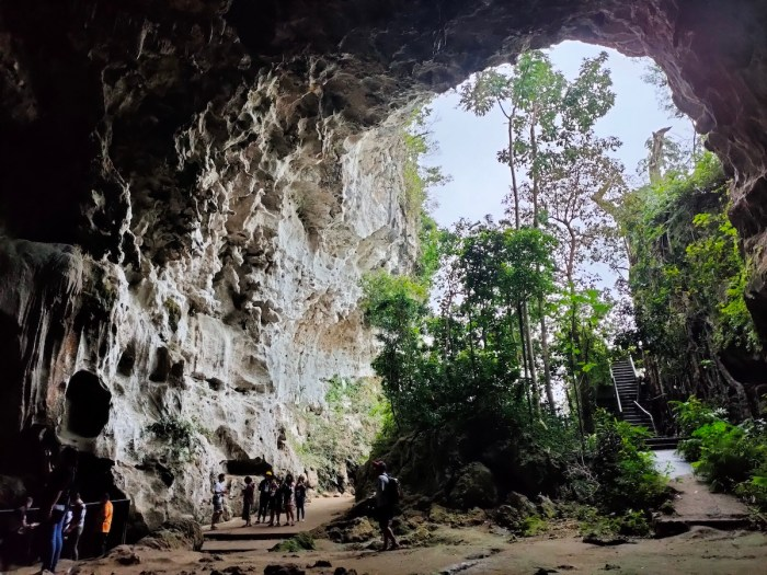 Mouth of Callao Cave