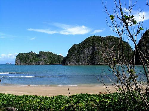 Gota Beach Caramoan Peninsula