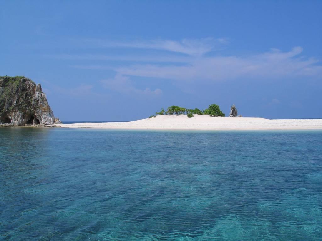 An Islet in Club Paradise Palawan