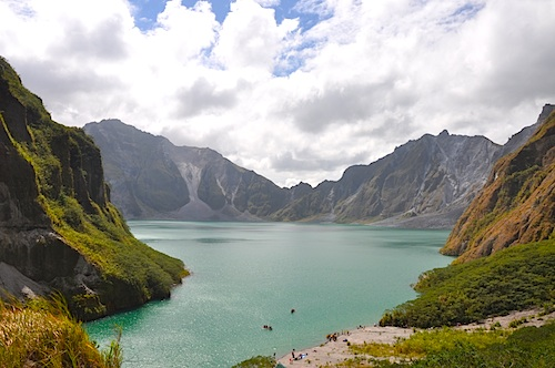 pinatubo crater