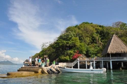 Apulit Island Resort friendly Staff