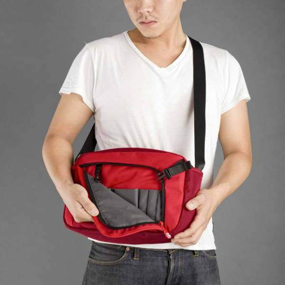 Crumpler Dry Red no 2 compartments