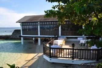 Alfresco Dining at Fiji Restaurant