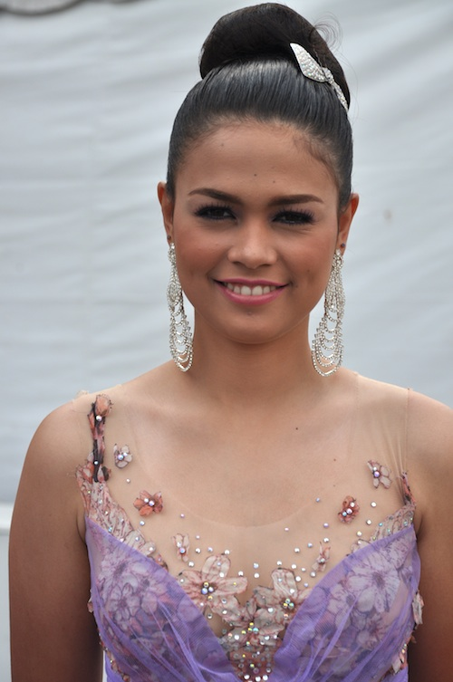 aliwan queen 2012