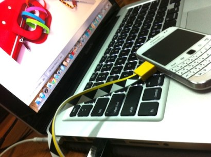 Mohzy Loop Micro USB & Apple iPhone Cable