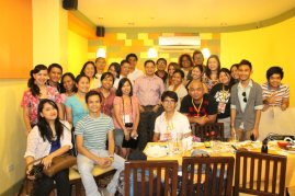 DFAT Participants with the owners of Lachi's