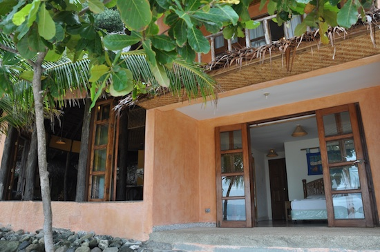 Apo Island Resort Rooms