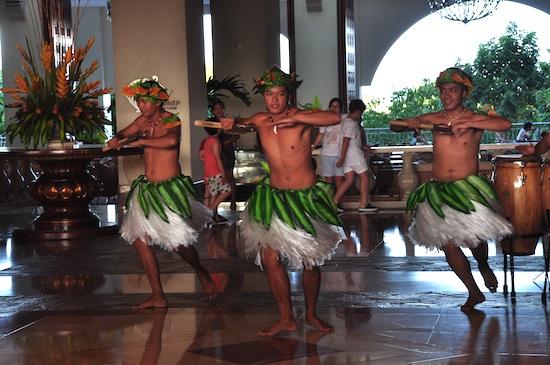 Hawaiian Dancers at Imperial PalaceWaterparkResort and Spa