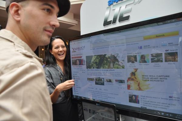 Filipino Celebrities testing Smart LTE