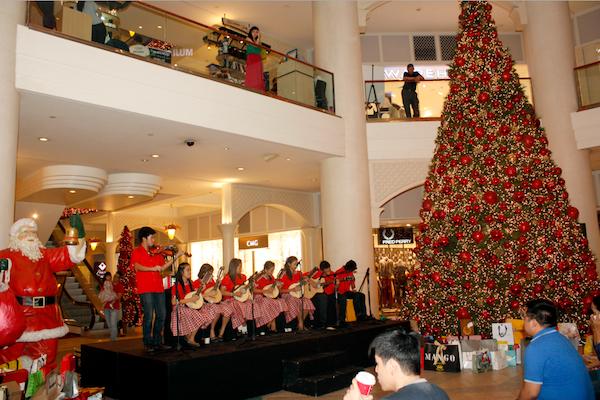Christmas Carols at Powerplant Mall