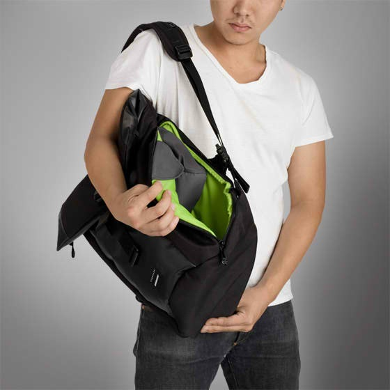 Local Identity Black Color by Crumpler