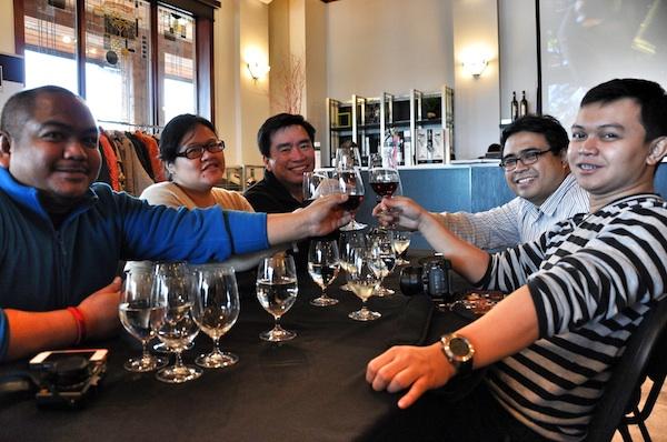 Pinoy Travel Bloggers at Inniskillin Winery