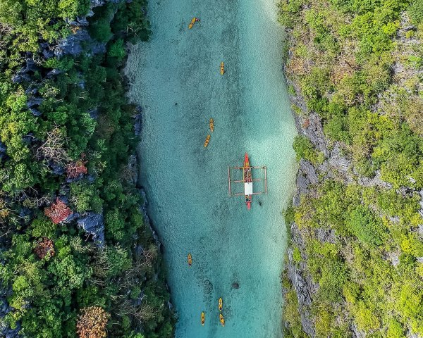 El Nido Lagoon photo by Cris Tagupa via Unsplash
