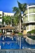 Avenue Plaza Hotel Infinity Pool