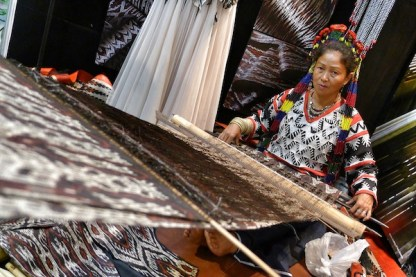 Tinalak Weaving at South Cotabato Booth