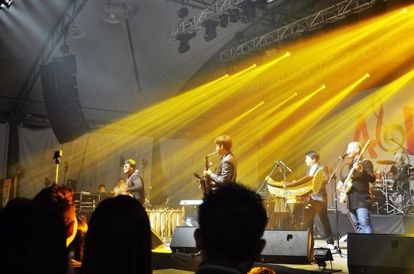 Boy Thai Band Performing