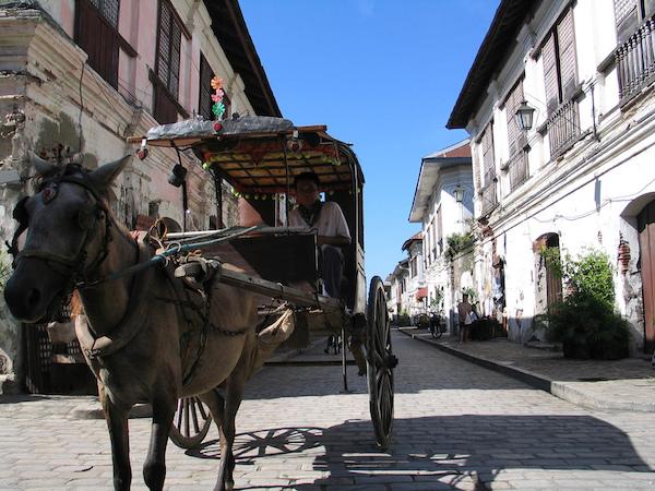 Kalesa in Calle Crisologo