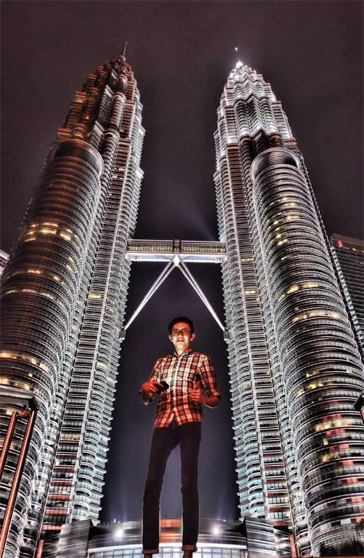 Sinjin Pineda in Petronas Tower, Malaysia