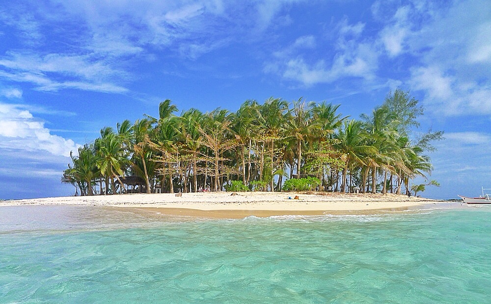 travel guide island hopping on siargao island out of town blog