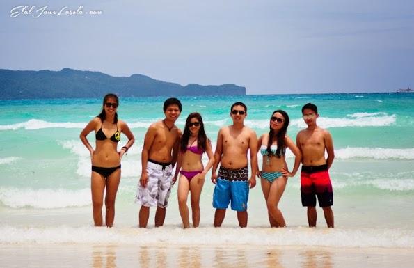 Elal and her friends enjoying Boracay Island