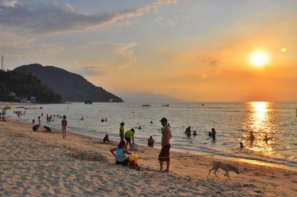 Sunset in White Beach Puerto Galera