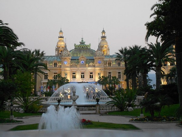 Monte Carlo Casino photo from Wikipedia