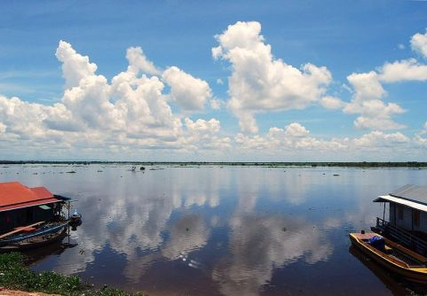 Tonle Sap Lake by Jennifer Phoon