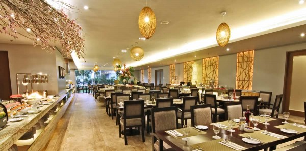 Garden Cafe Restaurant at Luxent Hotel Review