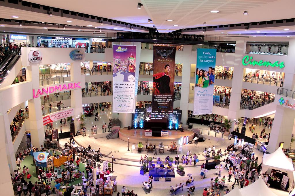 8 reasons why metro manila is still asias shopping capital share stopboris Gallery