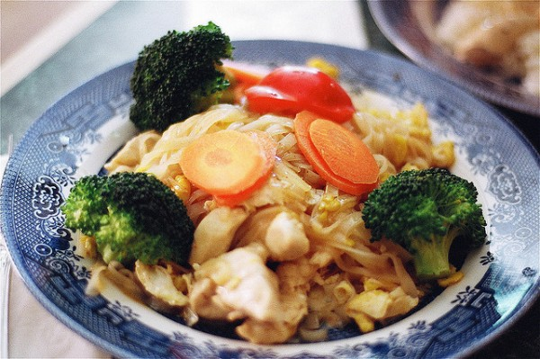 Pad Thai photo by Premshree Pillai