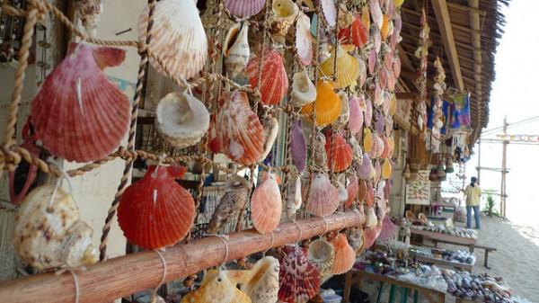 Souvinir Shopping in Puka Beach