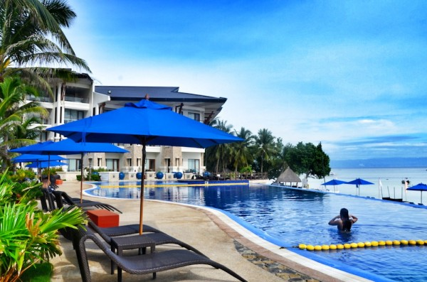 Infinity Pool at Bellevue Resort in Bohol