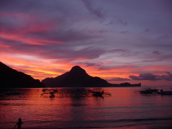 Sunset in El Nido Palawan by Mr Snoopy via Flickr