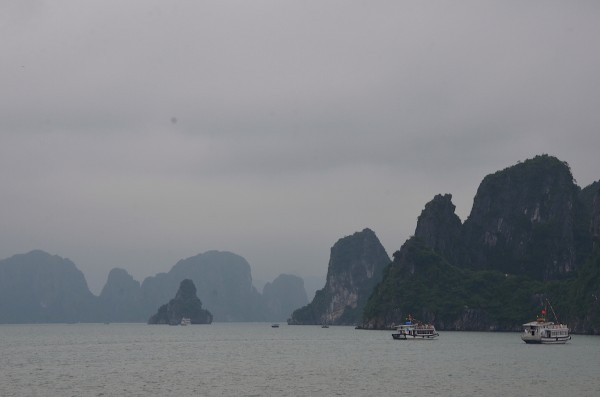 Fantastic view as we get closer to the Thien Cung Caves