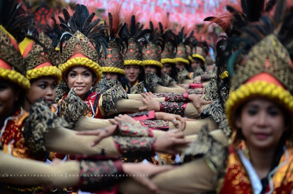 Sinulog Street Dancing photo by Constantine Agustin via Flickr Creative Commons