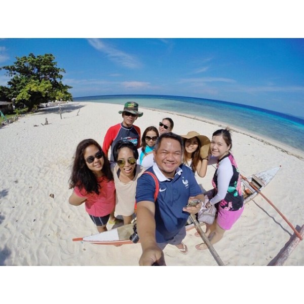 Travel Writers inPamilacan IslandinBohol