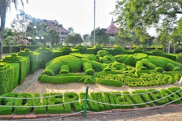 Beautiful Garden inside Thiruvananthapuram Park