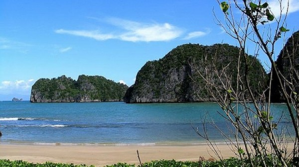 Gota Beach in Caramoan