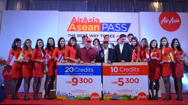 AirAsia Officials with CEO Tony Fernandes