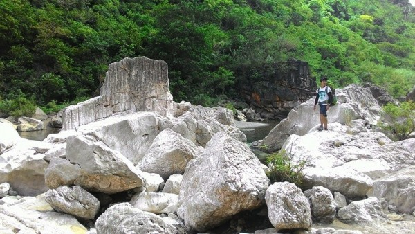 Huge Rocks in Tinapak River
