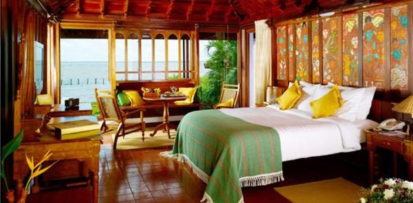 Kumakarom Lake Resort